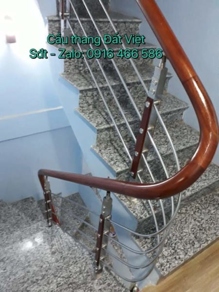 Cầu thang inox gỗ